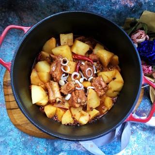 红烧排骨炖土豆的做法步骤:9